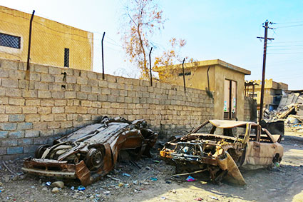 Mosul voiture destruction stop bombing civilians